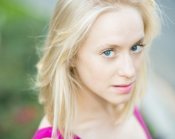 amanda-cole-headshot